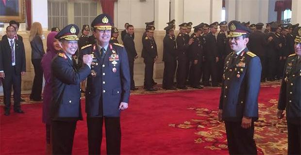 Seluruh Pengunjung Tepuk Tangan Saat Tito & Budi Gunawan salam komando