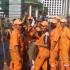 """Semangat """"Pasukan Oranye"""" Meski Tak Bisa Berkumpul Dengan Keluarga Di Hari Pertama Lebaran"""