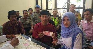 Menikah dengan Mahar RP.100 Ribu Terjadi di Polsek Pancoran