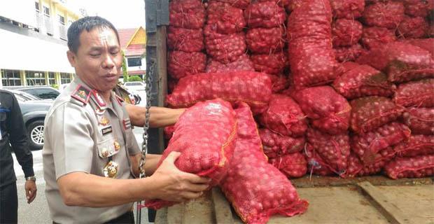 Sebanyak 16 Ton Bawang Merah Selundupan dari Malaysia Digagalkan