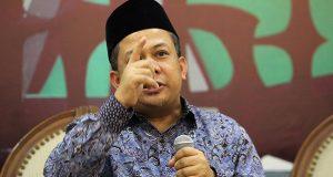 Agar HTI Tidak di Bubarkan, Fahri Hamzah Akan Menggugat Jokowi Ke MK