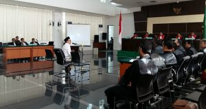 Buni Yani Ngamuk di Persidangan Saat di Tanya Oleh Jaksa Penuntut Umum